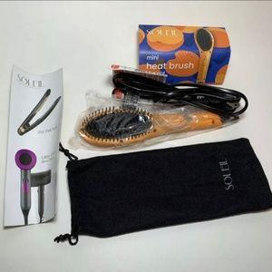 Soleil Hair Mini Heat Brush Tool    *NWT*